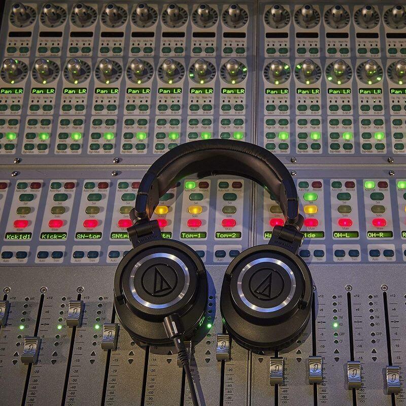 オーディオテクニカ ATH-M50Xの音質が高い評価を得ているワケ