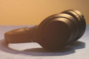 【海外評価で比較】Sony WH-1000XM3 と Bose Noise Cancelling Headphones 700 どっちが良いの