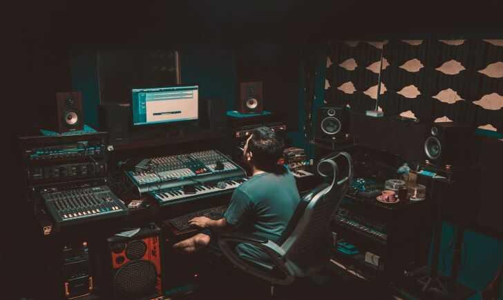 海外調査|音楽制作・DTMにおすすめのヘッドホン8選